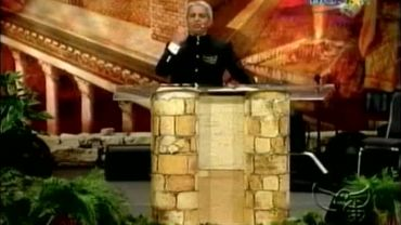 Photo of Benny Hinn Says The Gospel is An Empty Shell Without Signs and Wonders